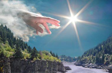 Nas palmas das mãos de Deus