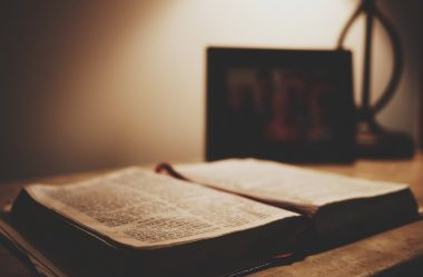 Jesus promete outro Consolador